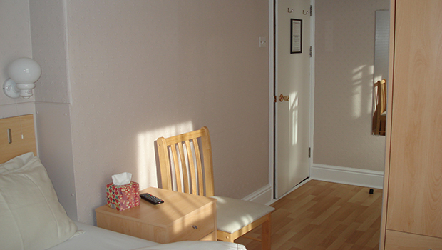 Guest-Room-Pic2